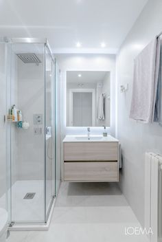 Compact Bathroom, Toilet Room, Minimalist Decor, Bathroom Interior, Home Decor Inspiration, My Dream Home, Home Projects, Minimalism, Sweet Home