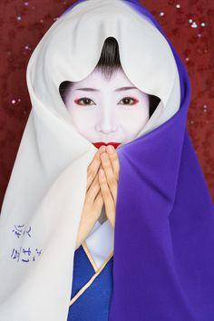 John Paul Foster - A Photographer of Geisha, Maiko, and Kyoto | Geisha & Maiko I | 5