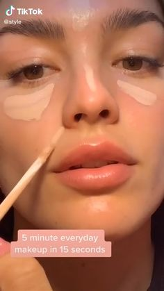 Watch this Easy 5 Minute Everyday Natural Makeup Beauty tips. she used best quality product for perfect makeup. #makeup #lips #beauty #makeup #nautralmakeup #easymakeup So I hope you enjoyed and loved it. #affiliate Natural Everyday Makeup, Natural Makeup For Brown Eyes, Natural Makeup Looks, Tips Make Up Natural, Easy Makeup Looks, Natural School Makeup, Natural Glow Makeup, Makeup Looks Everyday, Natural Makeup For Blondes