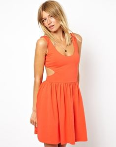 <3 Love: Simple Summer Dress with Cutouts