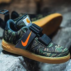 add4e25e82632 Nike x Carhartt WIP Air Force 1 UT Low PRM Green   Orange   Brown