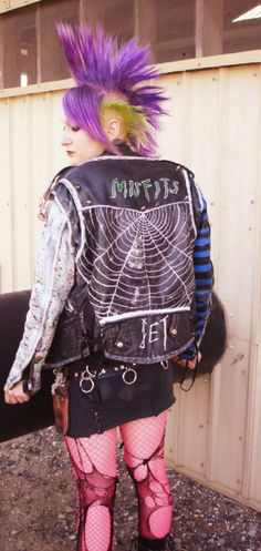 80s punk. Everyone in downtown Eugene, OR looked like this.