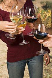 Discount Wine And Spirits Long Island Winery, Best Wine Clubs, Buy Wine Online, Wine Case, California Wine, Shipping Wine, Wine And Spirits, Wine Gifts, Wine Tasting