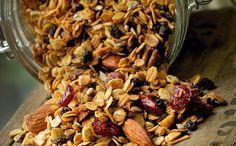 Homemade granola recipe. Yum yum yum yum yum. @Yael Isler: Xmas gifts, maybe?!