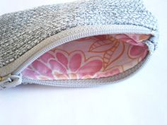 Gray Zipper Pouch - Grey Zipper Bag - Lined Pouch - Card Holder - Upcycled Purse - Coin Pouch - Change Purse - Vegan - Sustainable Fashion Lining Fabric, Grey Fabric, Zipper Bags, Zipper Pouch, Change Purse, Peach Colors, My Bags, Sustainable Fashion, Travel Style