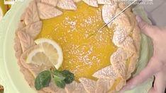 Ingredienti: 300 g di farina 0 150 g di burro 100 g di zucchero 1 uovo 1 tuorlo 1 cucchiaino scarso di lievito per dolci per la crema al limone: 200 g di a