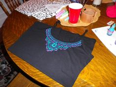 Saturday night my friend Chenille and I got together for a night of craftiness. Chenille has the fabulous etsy store So & So , and I putte. Puff Paint Shirts, Puffy Paint Crafts, Embellished Top, Craft Projects, Craft Ideas, Refashion, Diy Clothes, Cute Kids, Arts And Crafts