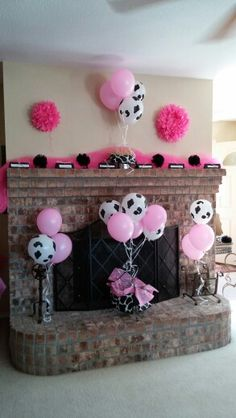 best ideas baby shower ides for boys farm cow print Cow Baby Showers, Cowgirl Baby Showers, Idee Baby Shower, Fiesta Baby Shower, Shower Bebe, Cow Birthday Parties, Farm Birthday, Birthday Balloons, Birthday Ideas