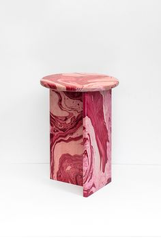 Handmade marble-effect stools by Ferréol Babin - cate st hill Custom Woodworking, Woodworking Projects Plans, Furniture Plans, Furniture Design, Architecture Restaurant, French Furniture, Marble Furniture, Pink Furniture, Contemporary Furniture