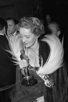 "1938 BETTE DAVIS best actress Oscar winner for her work in the film ""Jezebel"""