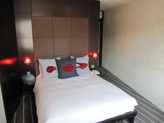 Hoxton Hotel - London   Hoteltravelexpress.com has a huge discounts selection on London hotels. Hurry up!!!