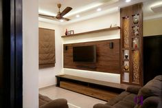 Uma, Raghu & Mahikas Haus in der Prestige Fern Residency, Bangalore Living Room Partition Design, Living Room Tv Unit Designs, Room Partition Designs, Living Room Sofa Design, Tv Wall Design, Tv Unit Interior Design, Tv Unit Furniture Design, Bedroom Furniture Design, Pooja Room Design
