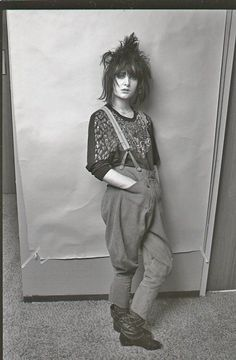 Siouxsie Sioux - imitated by many. her dark punk/goth/female rock chick edge has… Siouxsie Sioux, Siouxsie & The Banshees, Vintage Goth, Vintage Woman, Vintage Bohemian, New Wave, 80s Fashion, Vintage Fashion, Latex Fashion