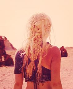 Daenerys Targaryen's Khaleesi Hair. Must do this someday.