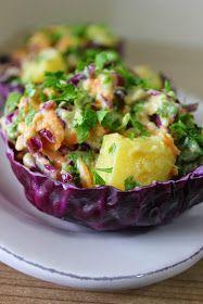 Hardallı Patates Salatası Malzemeler : 6-7 adet patates 1 adet havuç 1 top mor lahana 1 demet maydanoz 4 yemek kaşığı yoğurt ...