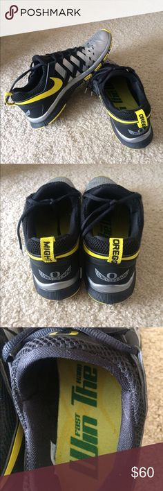 Nike free 5.0 tennis shoe. Size 11. Very good condition. Men size 11. Limited edition Nike free trainer 5.0 Oregon. Nike Shoes Sneakers
