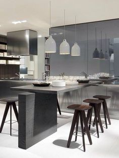 Modern Kitchen Tables, Modern Kitchens, Small Kitchens, Kitchen Dinning, Wooden Kitchen, Grey Kitchens, Kitchen Pantry, Kitchen Island, Luxury Kitchens