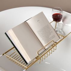 Reading Rack for Stillwell Tub Caddy----  How to read a book and drink a glass a wine in a tub..................