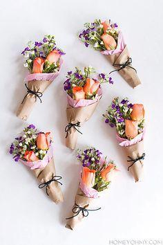love these mini flower bouquets - such a cute gift or party favour!