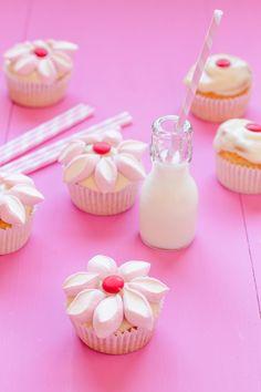 Cupcakes de vainilla con crema de queso, ¡decóralos!