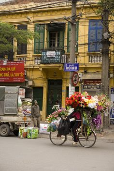 flowers (Hanoi- Vietnam)  Please like, share, repin or follow us on Pinterest to have more interesting things. Thanks. http://hoianfoodtour.com/