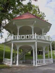 A large Victorian gazebo stood over the original spring. It's still standing, and seems to be in good repair. Tate Spring TN