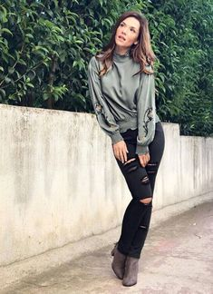 A fashion that does not reach the streets is not a fashion Coco Chanel _____________________ Coco Chanel, Casual Chic, Military Jacket, Duster Coat, Winter Fashion, My Style, Female Celebrities, Jackets, Greek
