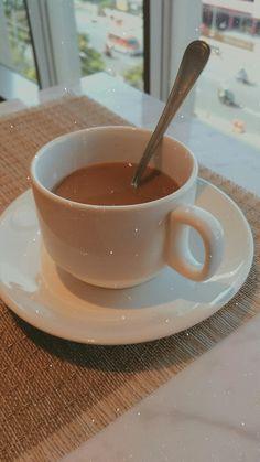 Coffee Shake, Coffee Cozy, Fresh Coffee, Coffee Drinks, Coffee Time, V Bts Wallpaper, Snap Food, Donia, Coffee Photos