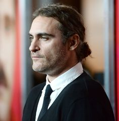 The hottest man buns: Joaquin Phoenix.