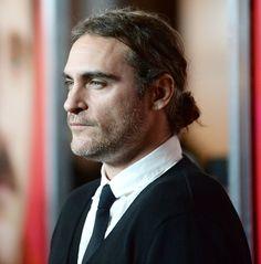 The hottest man buns: Joaquin Phoenix.