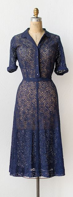 vintage 1940s lace dress | 40s dress | #vintage #1940s #navy