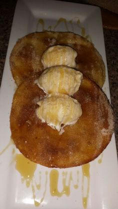 Made these for dessert the other night! Had a couple people ask me how to do it..so figured I'd share..it's super easy!!  All you'll need is;        Flour tortillas        Vanilla ice cream        1/2 cup of some cinnamon sugar        Jar of  Honeycomb honey         1/2 cup of vegetable oil for frying  Heat the oil in a small skillet and once it's around 325° place tortilla in & let fry on each side around 30 seconds or Golden brown. Once they're fried on each side, place it in a plate of your c Fried Tortillas, Flour Tortillas, Ice Cream 1, Vanilla Ice Cream, Sugar Jar, Snack Recipes, Snacks, Frying Oil, 30 Seconds