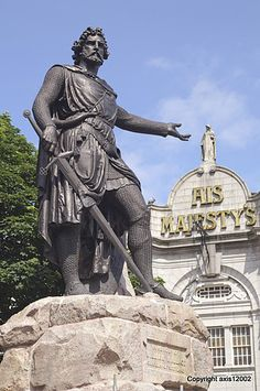 William Wallace statue - Aberdeen, Scotland