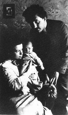 with Mileva and son, Hans Albert #alberteinstein