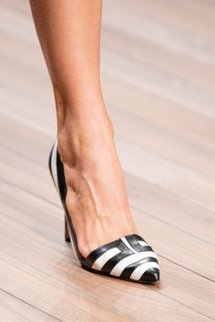 Elisabetta Franchi at Milan Fashion Week Spring 2020 - Details Runway Photos Funky Shoes, Spring Shoes, Hot Shoes, Sexy High Heels, Luxury Shoes, Fashion Shoes, Milan Fashion, Women's Fashion, Pumps Heels