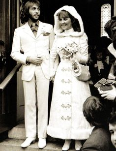 Scottish singer Lulu marries Maurice Gibb of The Bee Gees, at the Parish Church, Gerrard's Cross in Buckingshire - UK - 18 February 1969