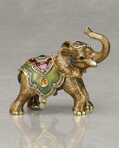 Beautiful Interior Accessories from Jay Strongwater Thai Elephant, Little Elephant, Elephant Love, Elephant Art, Elephant Gifts, Elephant Sculpture, Lion Sculpture, Gold Home Accessories, Interior Accessories