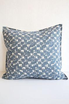 TATATMI ROOM b'sbee rc indigo cushion cover