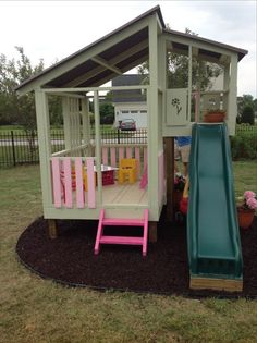 20 Inspiring Kids Play Garden Designs to Entice Your Kids Away From Gadgets - Page 19 of 22 Kids Outdoor Play, Backyard For Kids, Backyard Projects, Outdoor Projects, Outdoor Fun, Pallet Projects, Pallet Playhouse, Backyard Playhouse, Build A Playhouse