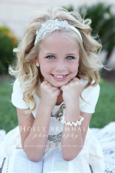 All flower girls with bouquet on lap Flower Girl Hairstyles, Fancy Hairstyles, Little Girl Hairstyles, Flower Girls, Flower Girl Dresses, Wedding Hair And Makeup, Bridal Hair, Hair Makeup, Baptism Pictures