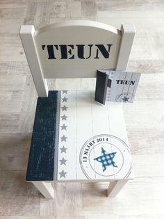 Beschilderd stoeltje nav geboortekaartje