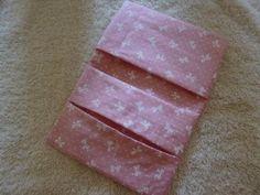 【ハンドメイド】ポケットティッシュケースの作り方(ポケット2つタイプ) - YouTube Tissue Box Covers, Tissue Boxes, Pochette Diy, Pouch Tutorial, Tablet, Purse Wallet, Purses And Bags, Origami, Diy And Crafts
