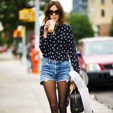 Alexa Chung is a model and fashion icon that many ladies look up to. Be like her with these Alexa Chung style ideas for spring. Chic Winter Outfits, Winter Chic, Fall Outfits, Winter Shorts Outfits, Tights Outfit Winter, Summer Outfits, Fall Winter, Winter Style, Stylish Outfits