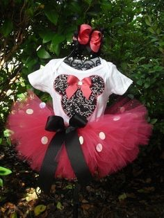 minnie mouse tutu and shirt