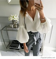 Women's Work Fashion Office Fashion, Work Fashion, Fashion News, Fashion Mode, Fashion Trends, Mode Outfits, Casual Outfits, Fashion Outfits, Womens Fashion