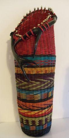 A favorite basket make by Jill Choate.  http://3.bp.blogspot.com/-BVuIPp5eaFA/TyATEHzo2eI/AAAAAAAAAa4/GOGq5VOqP0k/s1600/indianblanketsubmission2.jpg