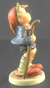 Hummel Goebel Figurine Little Hiker 16/1 http://cgi.ebay.com/ws/eBayISAPI.dll?ViewItem=370607054090=ADME:L:LCA:US:1123#ht_3347wt_754