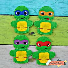 ninja turtle finger puppet play set felt toys by Hazelandlouies Felt Puppets, Puppets For Kids, Felt Finger Puppets, Hand Puppets, Sewing Toys, Sewing Crafts, Sewing Projects, Puppet Patterns, Felt Patterns