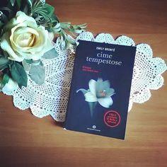"""""""Perdonami perché ho lottato solo per te"""" Il #19dicembre muore Emily Brontë  #emilybronte #cimetempestose #wutheringheights #libri #leggere #lettura #libriovunque #bookph #libridaleggere #letteratura #romanzo #amoleggere #libro #fiori #books #reading #bookstagram #booklover #bookworm #booknerd #bibliophile #instapic #instalike #instagood #igreads #bookblogger #picoftheday #flowers"""