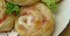 Rose di prosciutto e mozzarella ricetta buffet una ricetta davvero facile e perfetta non solo per i buffet .rose di pasta sfoglia
